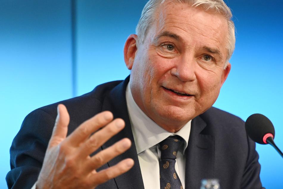 Strobl will massenhafte Tests an Grenzen zu Frankreich und Schweiz