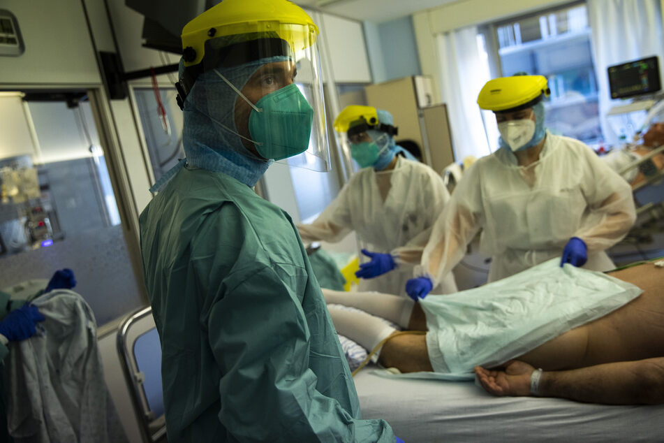Belgian nurses infected with coronavirus urged to go back to work