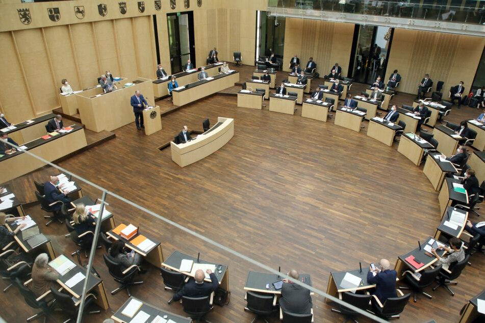 Abgeordnete und Ministerpräsidenten der Länder während der Bundesratssitzung in Berlin am Freitag.