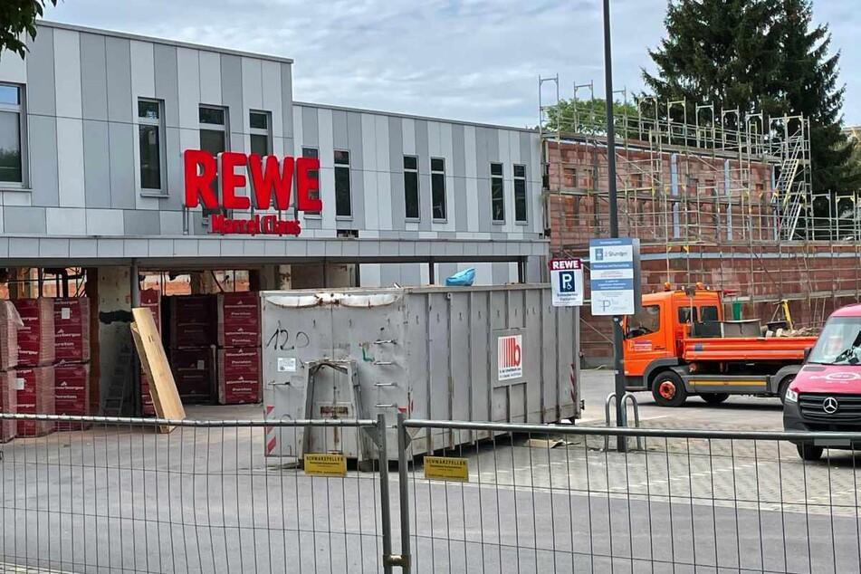 Der REWE-Markt in der Limbacher Straße ist seit Mitte Juli eine Baustelle.