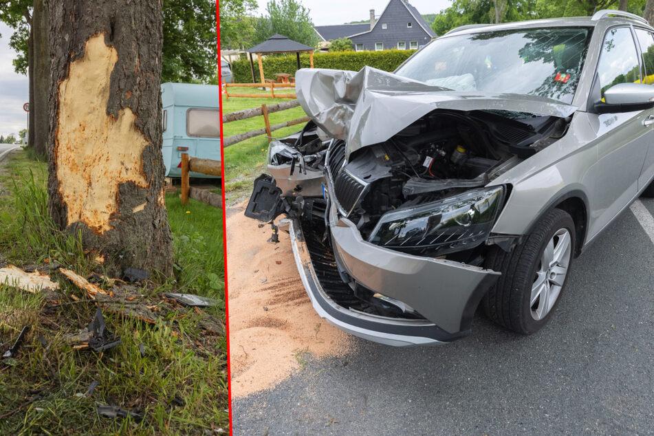 Schwerer Baum-Crash im Erzgebirge: Skoda-Fahrerin im Krankenhaus