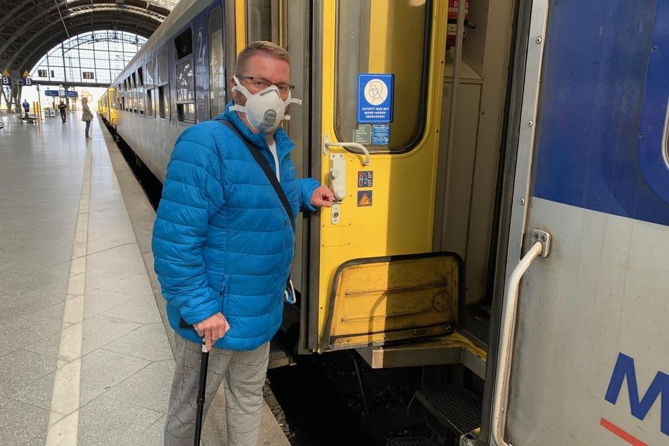 Rolf Allerdissen (54) fühlt sich als Mensch mit Behinderung von Mitarbeitern der Deutschen Bahn diskriminiert.