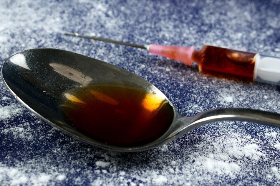 Eine gebrauchte Kokainspritze auf einem 1.-Klasse-Sitz verletzte einen Passagier und bescherte ihm bange Tage.