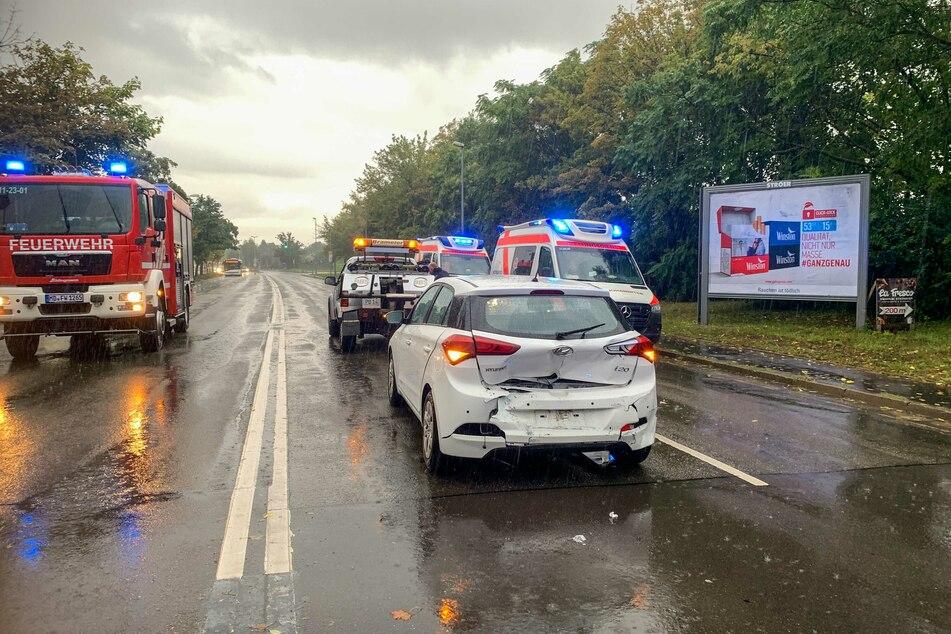 Dem Hyundai war ein 19-jähriger Magdeburger aufgefahren. Zwei Personen wurden verletzt.