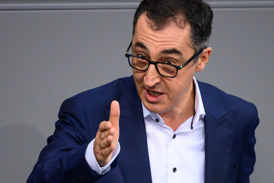 Für die Grünen im Bundestag: Cem Özdemir (55).