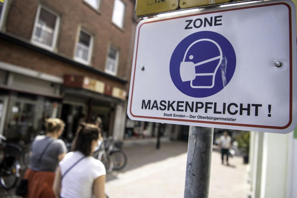 Die Maskenpflicht in Baden-Württemberg soll vor dem Hintergrund weiter sinkender Inzidenzen bald vereinfacht werden.