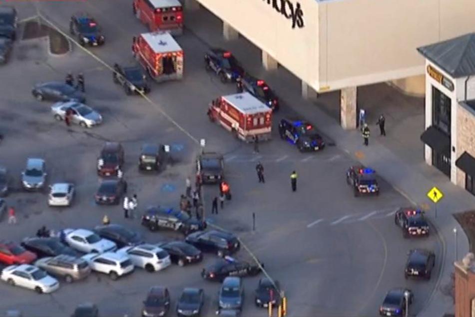 Schießerei im Einkaufszentrum: Schütze verwundet acht Menschen