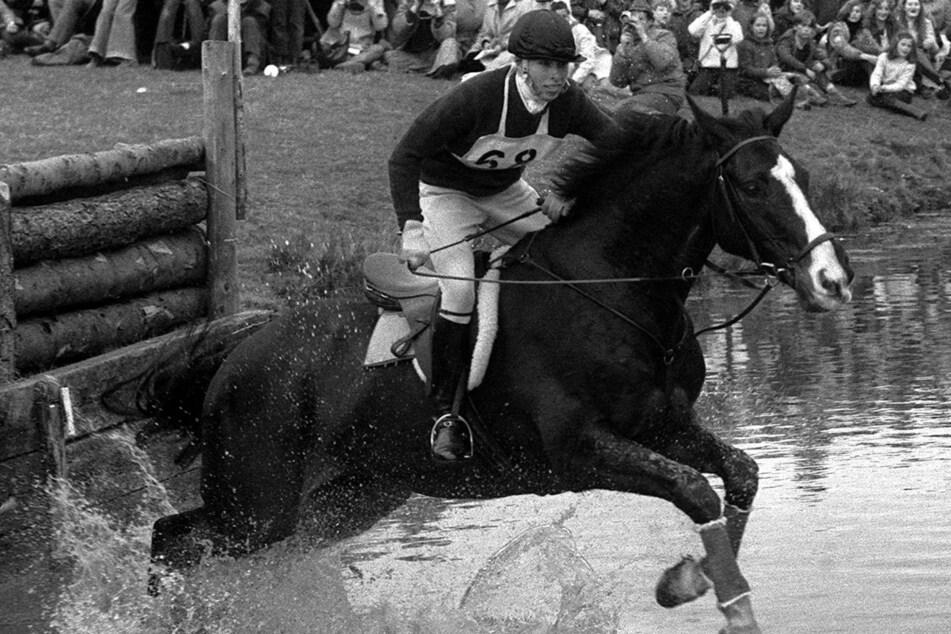 14. April 1973: Prinzessin Anne reitet auf Goodwill beim Geländeritt der Badminton-Pferdeprüfungen.