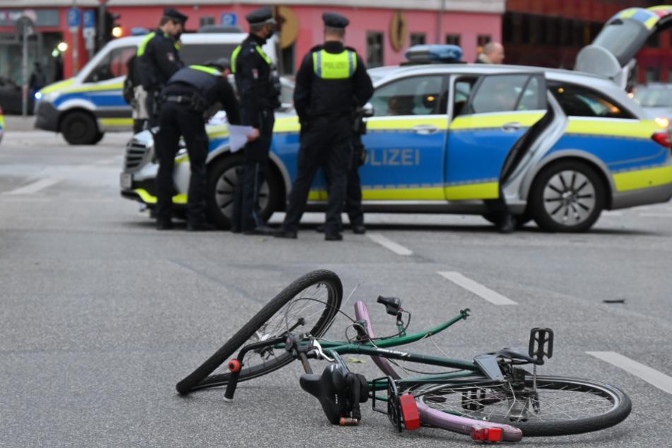 Schwerer Unfall! SUV erfasst Fahrradfahrer auf St. Pauli