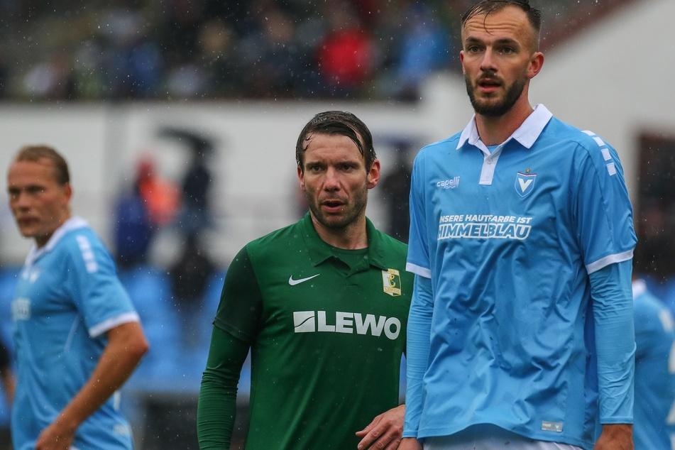 Auch Kapitän Stefan Karau (M.) konnte die Niederlage nicht verhindern.
