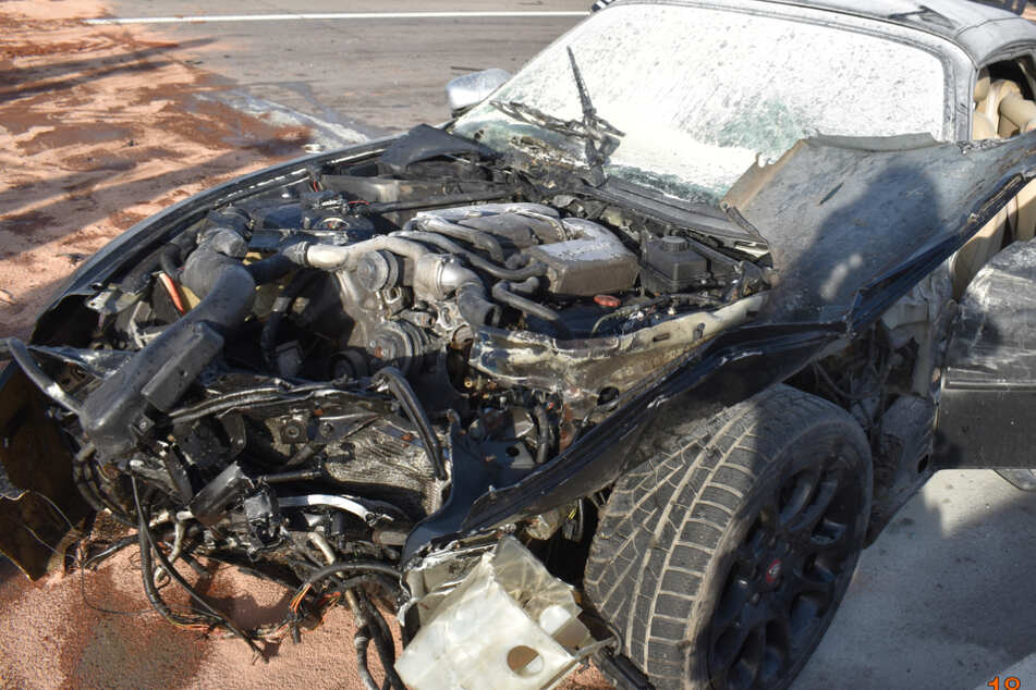 Unfall A2: Jaguar schleudert einmal quer über Fahrbahn: Drei Verletzte bei Unfällen auf A2!