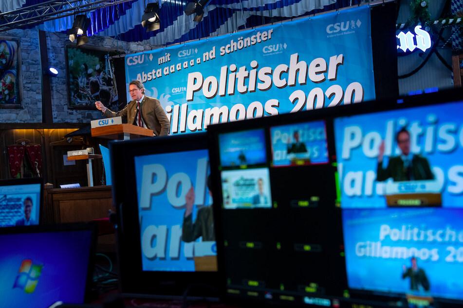 Das Gillamoos ist eines der größten und ältesten Volksfeste Niederbayerns und bietet traditionell einen politischen Schlagabtausch der Parteien. Aufgrund der Corona-Pandemie wurde das Volksfest in diesem Jahr abgesagt, aber CSU und Freie Wähler wollen ihre Bierzeltreden per Internet streamen.