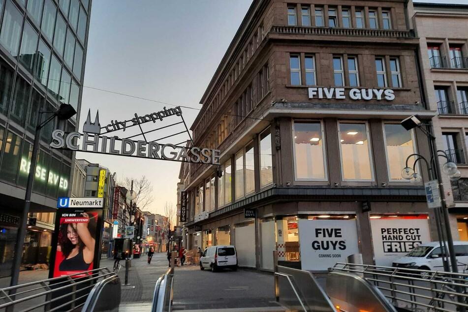 Die Burger-Kette eröffnet ihren Diner direkt an der Schildergasse in Köln mit Blick auf den Neumarkt.