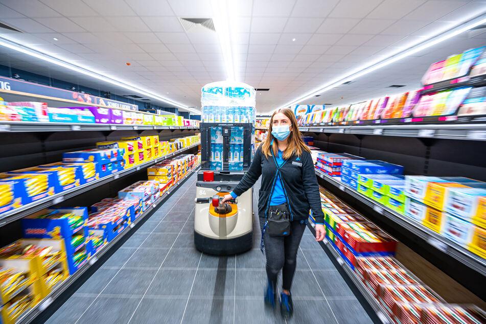 Der XXL-Store verfügt über knapp 2000 Quadratmeter Verkaufsfläche - das ist etwa das Doppelte einer durchschnittlichen Filiale.