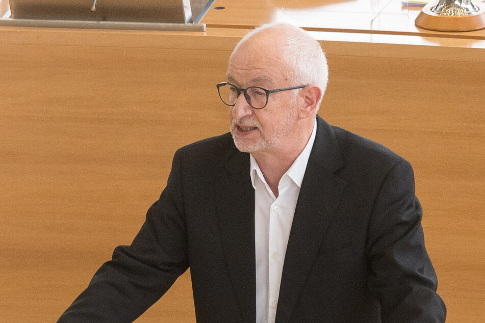 Gerhard Liebscher (66) von den Grünen stellte am Montag das Gutachten des Mediziners im sächsischen Landtag vor.