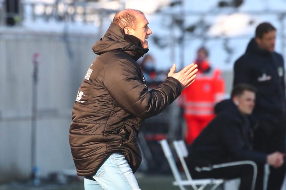 Bei einem Sieg gegen den FC Ingolstadt würde FSV-Coach Joe Enochs wieder etwas fester im Sattel sitzen.