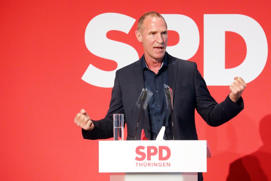 Frank Ullrich (63), Spitzenkandidat der SPD für die Bundestagswahl in Südthüringen, hat von einem Desinteresse an der Politik gesprochen und keine netten Worte für Wahlgegner Hans-Georg Maaßen (58, CDU) gehabt.
