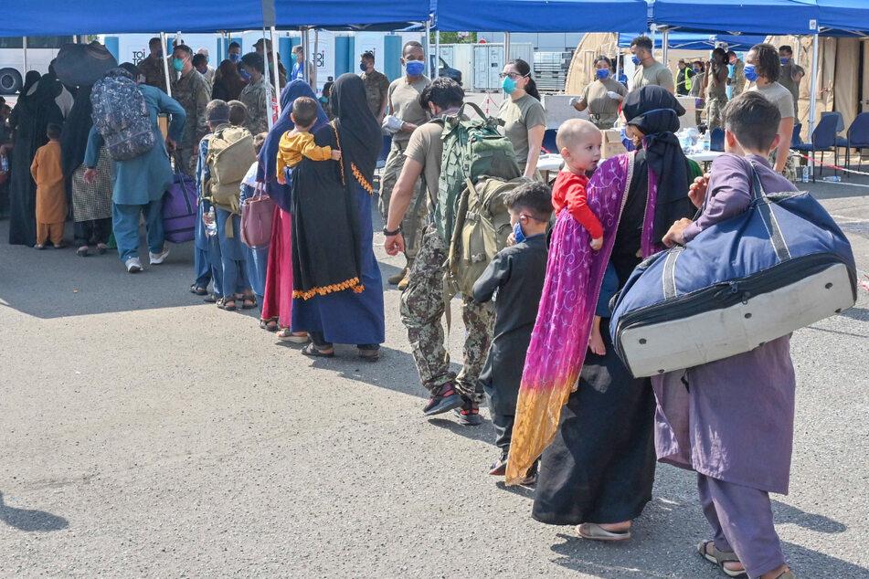 Aufnahme afghanischer Flüchtlinge: So gespalten sind die Menschen in Deutschland