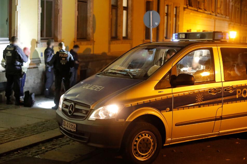 Chemnitz: Stundenlange Razzia in Chemnitz: Polizei findet Drogen und Waffen