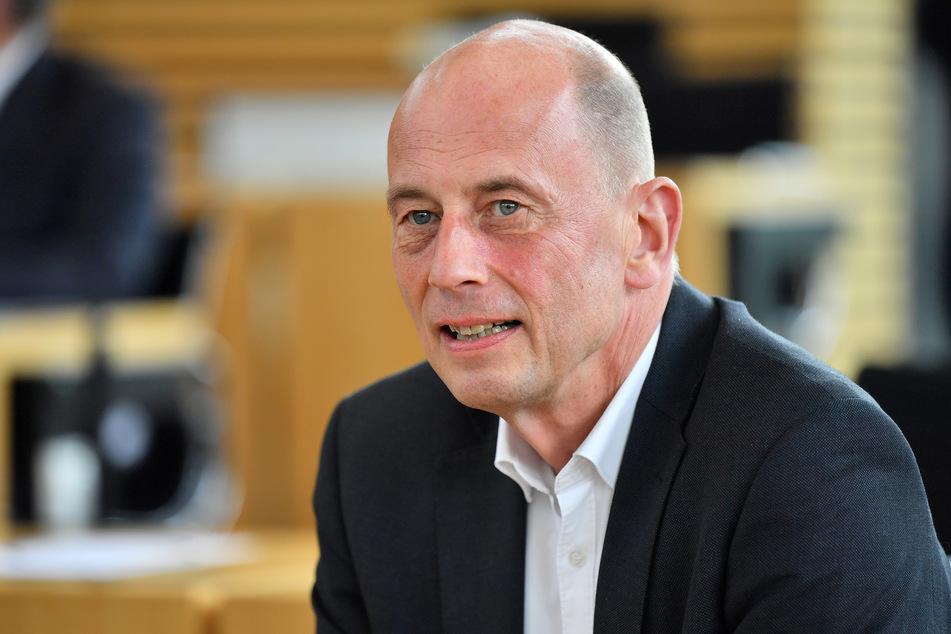 Wirtschaftsminister Tiefensee erwartet mehr EU-Mittel als angenommen