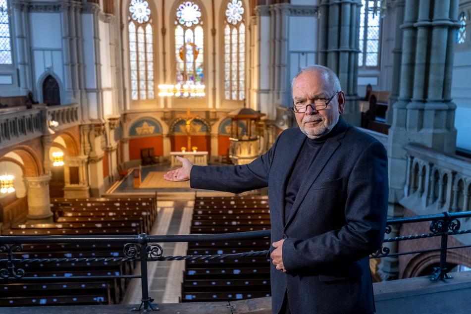Ein traditionelles Krippenspiel wird es in der St. Petri-Kirche nicht geben. Vorstand Stefan Schulze (68) hofft aber weiter auf Gottesdienste.