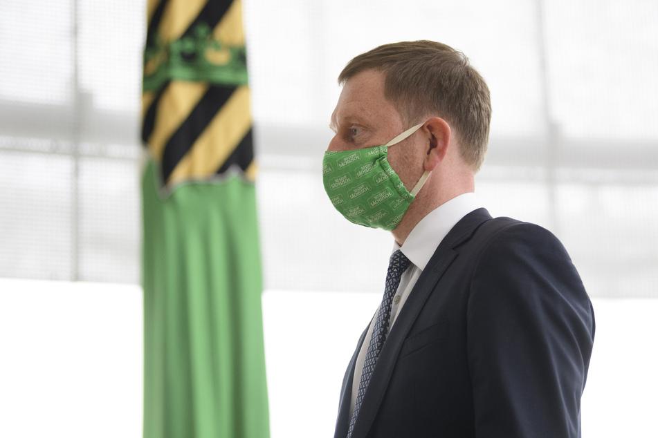 Michael Kretschmer (CDU), der Ministerpräsident von Sachsen, debattiert am Mittwoch mit dem Landtag über eine stärkere Einbindung des Parlamentes in Beschlüsse der Regierung zu Corona-Maßnahmen.