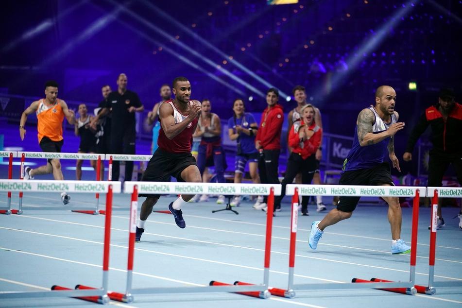 60 Meter Hürden: David Odonkor (37, r.) gewinnt vor Tijan Njie (29, m.) und Prince Damien (30, l.).