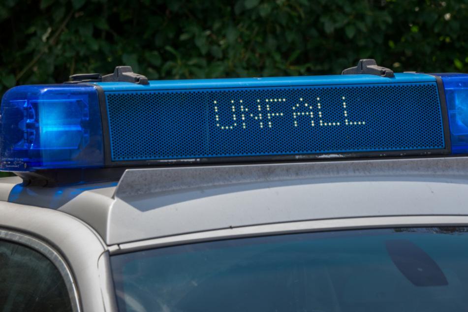 Todes-Drama: Autofahrer (19) übersieht auf der Straße liegenden Mann (20)
