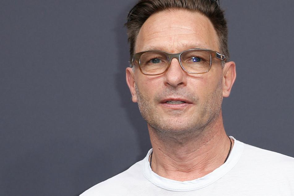 """Thomas Kretschmann (58) spielt in der zweiten Staffel der Netflix-Serie """"Biohackers"""" den Baron von Fürstenberg."""