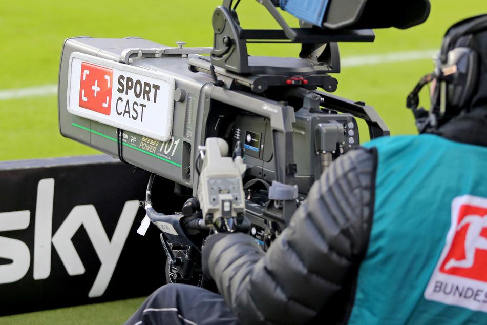 Auch der zweite Bundesliga-Spieltag nach der Corona-Pause hat dem Pay-TV-Sender Sky starke Quoten beschert. (Symbolbild)