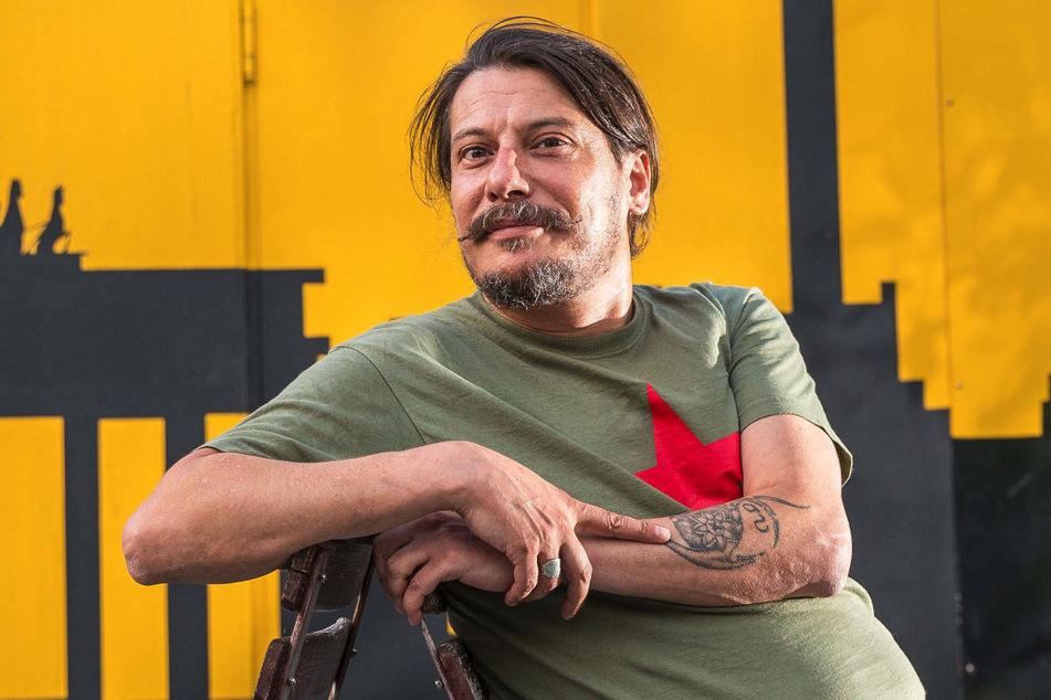 Der regierungskritische türkische Journalist Erk Acarer (49) ist im Juli in Berlin von unbekannten Tätern geschlagen und bedroht worden.