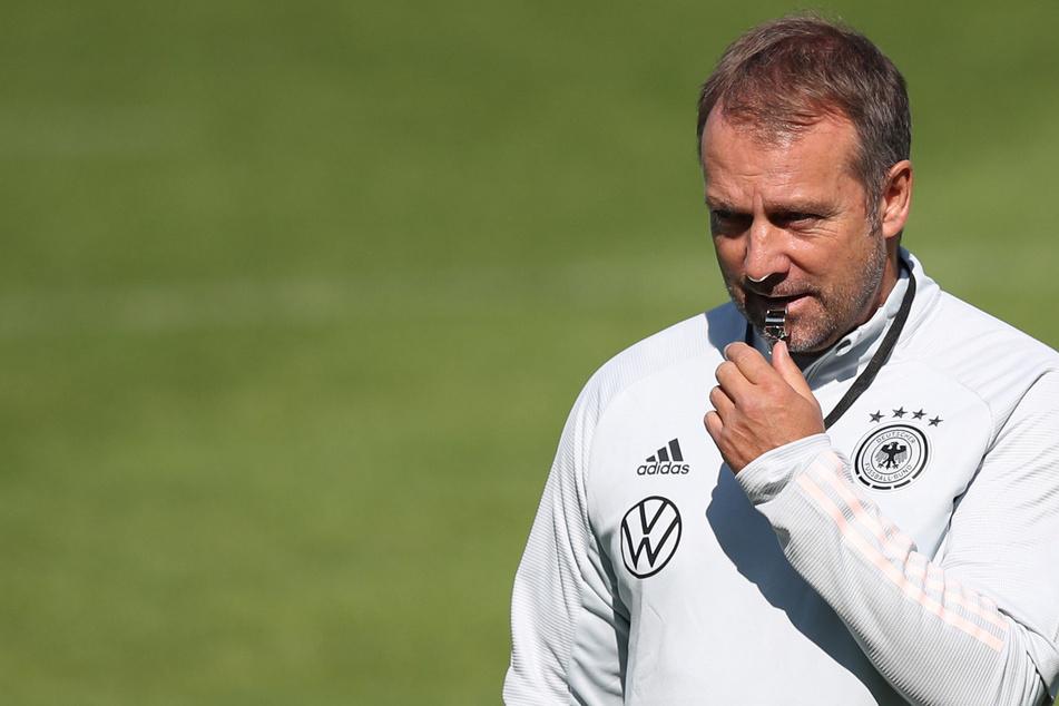 Hansi Flick (56) möchte auch im zweiten Spiel als Bundestrainer einen Sieg seiner Mannschaft sehen. Gegen Armenien fordert er mehr Entschlossenheit im Abschluss.