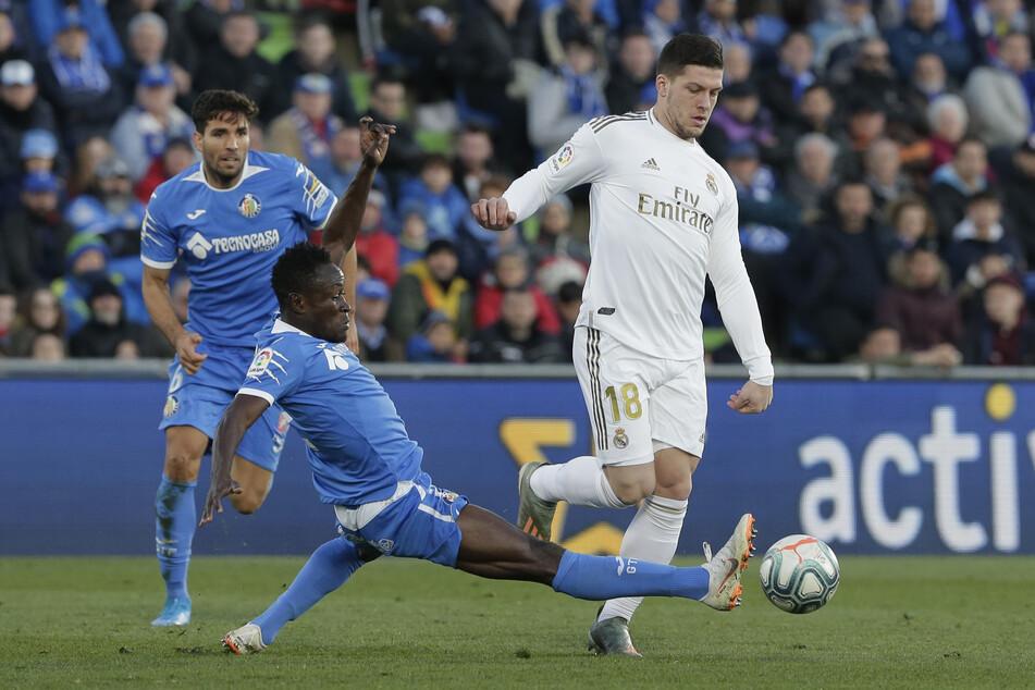 Aktuell steht Luka Jovic bei Real Madrid unter Vertrag. Wie lang das noch so ist, ist unklar.