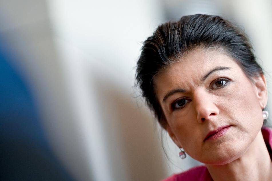 Sahra Wagenknecht übt deutliche Kritik an der Regierung: Corona-Lockerungen zu riskant!