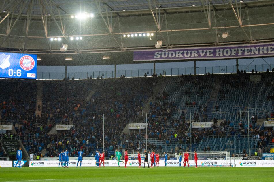 Ein Blick in diePreZero Arena bei der Partie der TSG 1899 Hoffenheim gegen den FC Bayern München.
