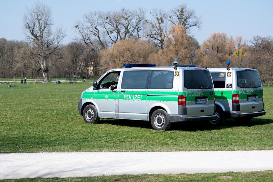 München: Mehrere Raubdelikte durch Jugendgruppen im Englischen Garten!