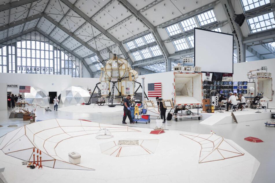 In den Deichtorhallen steht auch eine nachgebaute Landefähre der Apollo-Mondmission.