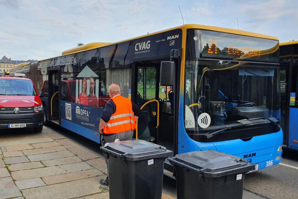 Ein CVAG-Bus musste am Mittwochmorgen stark bremsen. Ein Fahrgast wurde dadurch schwer verletzt.