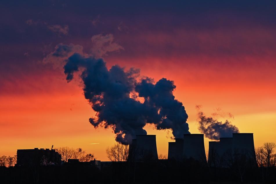 Das Verwaltungsgericht in Schleswig verhandelt seit Mittwoch mehrere Klagen von Anwohnern gegen Partikelemissionen des Kraftwerks Wedel (Kreis Pinneberg). (Symbolbild)