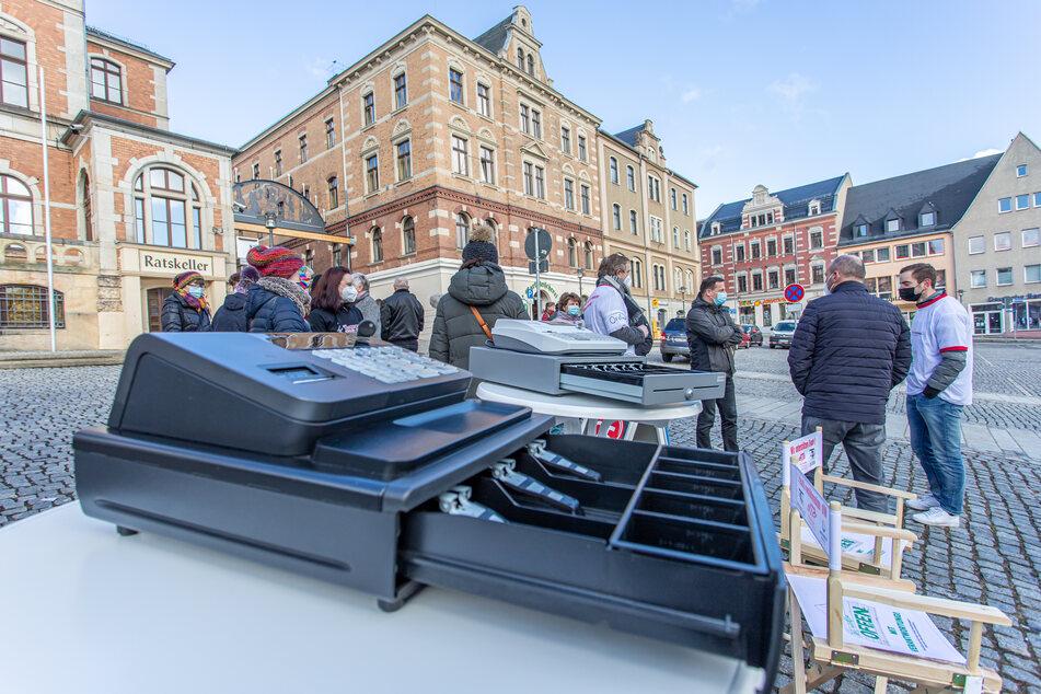 Am Freitag protestierten in Stollberg etwa 50 Händler gegen die Corona-Maßnahmen der Bundesregierung.