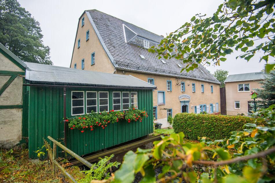 Die historische Herrenmühle in Neukirchen steht zum Verkauf. Die Gemeinde konnte sie nicht erwerben, die Nachnutzung ist ungewiss.