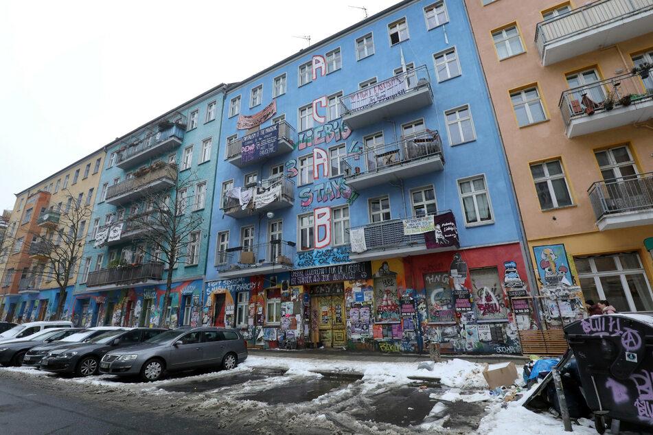 """Berlin: """"Rigaer 94"""" droht Brandschutz-Ärger: Eigentümer des Linksautomen-Hauses kündigt sich an"""