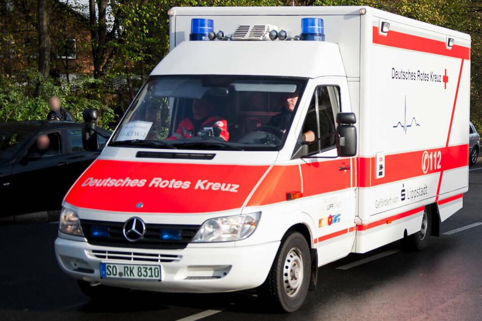 In der Nähe von Grimmen ist ein 57-jähriger Mitsubishi-Fahrer auf der Bundesstraße 194 mit einem Lastwagen kollidiert und schwer verletzt worden. (Symbolfoto)