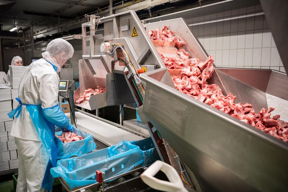 Die Fleischbranche aus Mecklenburg-Vorpommern sorgt sich um ihre Betriebe.