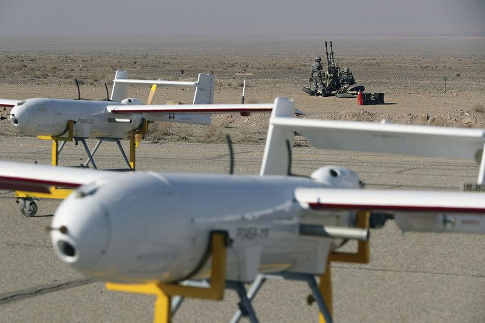 Das iranische Militär hatte bereits am 5. Januar eine zweitägige Übung im Norden des Landes gestartet, bei dem unbemannte Kampf- und Überwachungsflugzeuge zum Einsatz kommen.