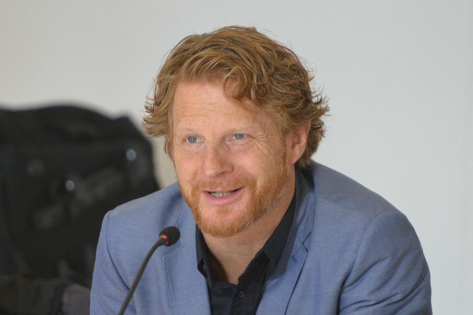 Bürgermeister Michael Stötzer (47, Grüne) lässt Bürger nach ihren Ideen für die Neugestaltung der Zwickauer Straße befragen.