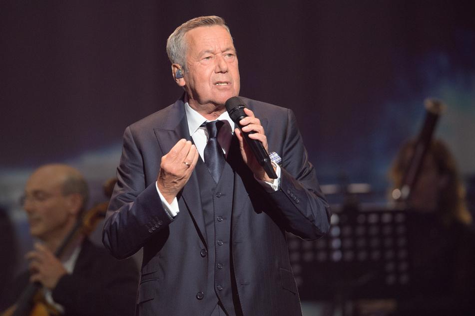 Roland Kaiser (68) - hier beim Festakt zum 30. Jahrestag der Deutschen Einheit - durfte im Osten auftreten.