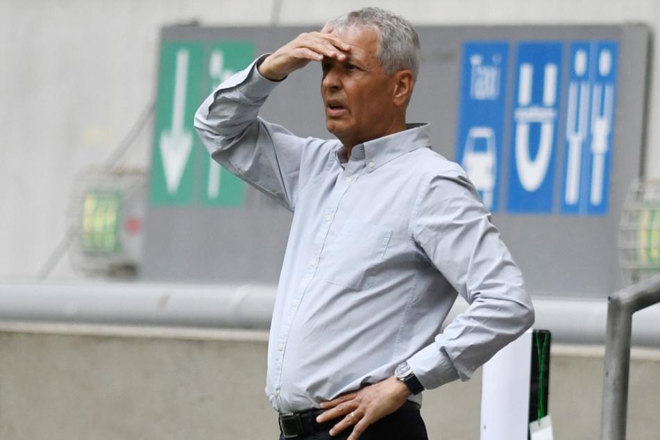 BVB-Coach Lucien Favre (62) und seine Mannschaft treffen in der ersten Hauptrunde des DFB-Pokals auf den MSV Duisburg.