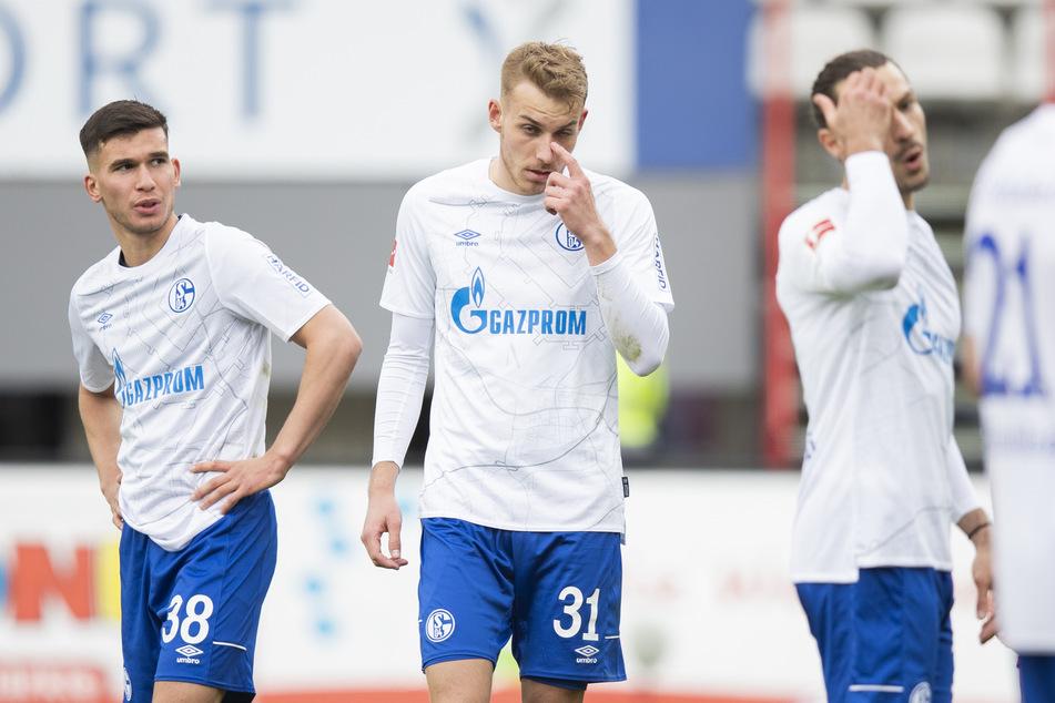 Die Bilder gleichen sich. Der FC Schalke 04 steht unmittelbar vor dem Gang in die 2. Bundesliga.