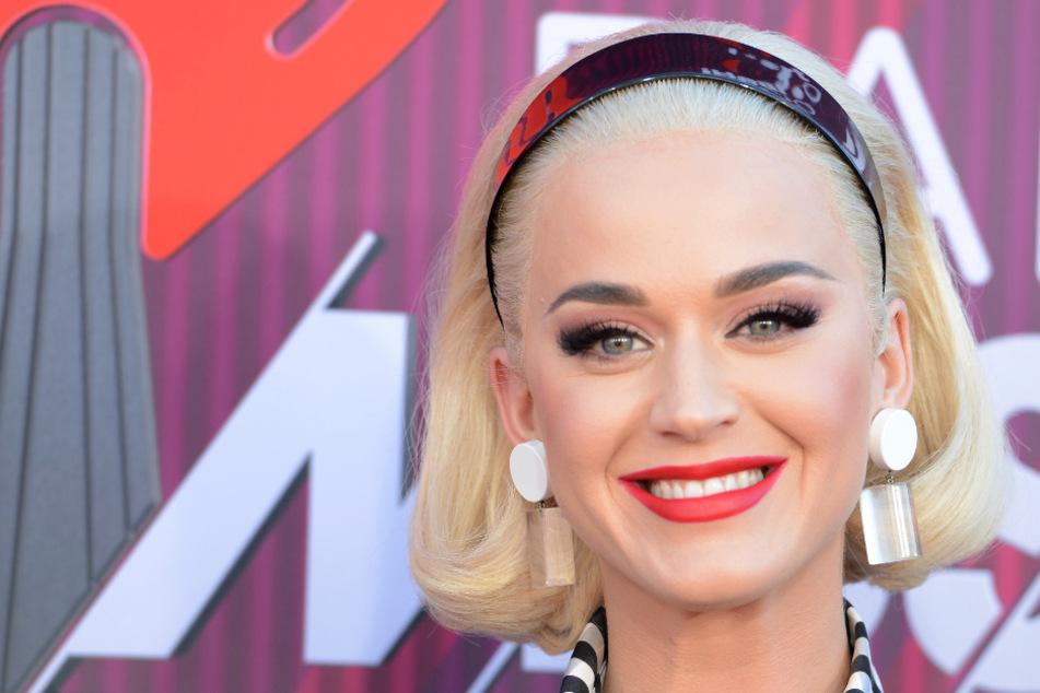 Babynews: Katy Perry enthüllt ihren Schwangerschaftsbauch!